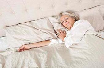 老人睡好防痴呆