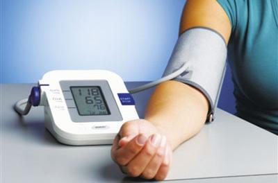 高血压的家庭监测比改低标准更重要