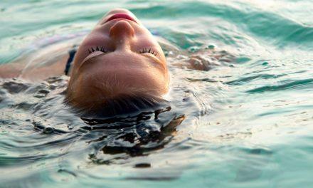 患中耳炎,還能游泳嗎